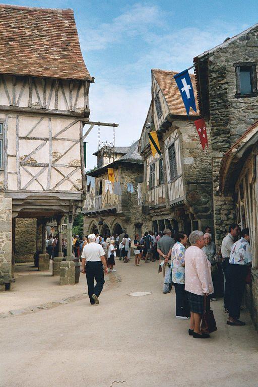 Puy-du-Fou-Medieval-street